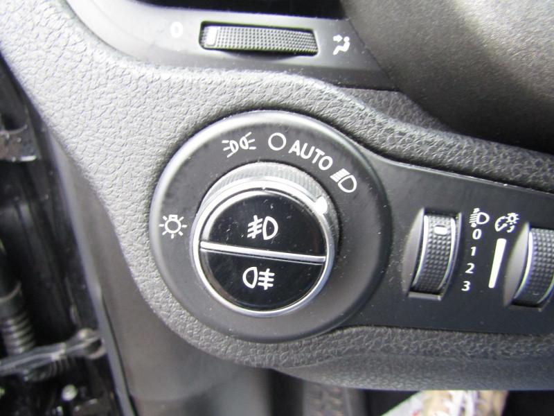 Photo 14 de l'offre de FIAT 500X 2.0 MULTIJET 16V 140CH CROSS 4X4 AT9 à 15500€ chez Bougel transactions