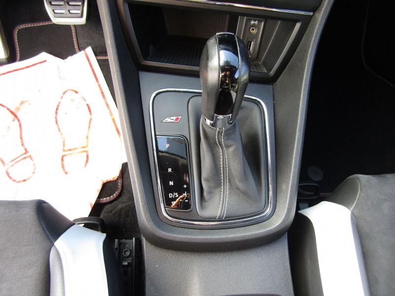 Photo 11 de l'offre de SEAT LEON III 2L TSI CUPRA GPS  290 CV  FULL LED MANOMETRES MP3 USB JA 18 BOITE DSG + PALETTES à 26500€ chez Bougel transactions