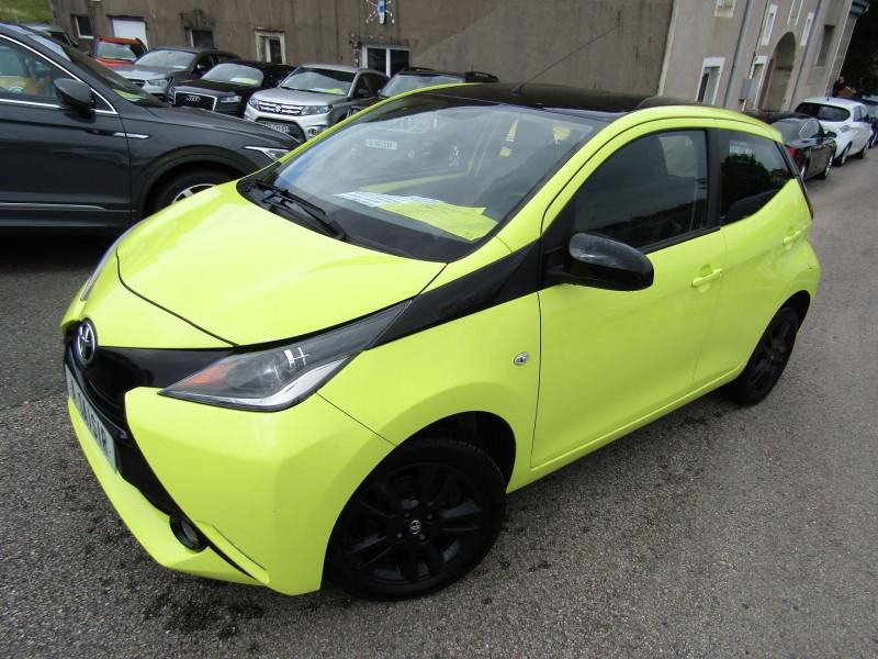 Toyota AYGO 1L VVTI XCITE BICOLOR USB ÉCRAN MÉDIA RÉGULATEUR BLUETOOTH CLIMAT Essence JAUNE TOIT NOIR Occasion à vendre