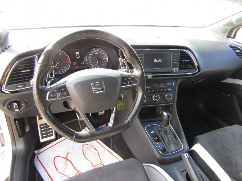 Photo 10 de l'offre de SEAT LEON III 2L TSI CUPRA GPS  290 CV  FULL LED MANOMETRES MP3 USB JA 18 BOITE DSG + PALETTES à 26500€ chez Bougel transactions