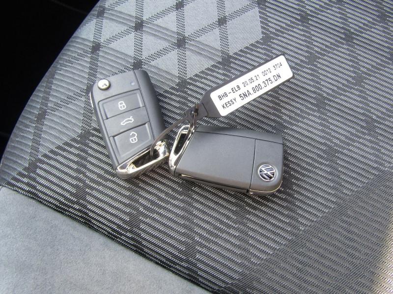 Photo 16 de l'offre de VOLKSWAGEN TIGUAN 4 2L TDI 150 CV R-LINE GPS 3D CAMÉRA 360° FULL LED MATRIX TOIT PANO BOITE AUTO DSG à 43500€ chez Bougel transactions