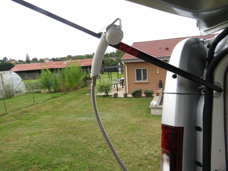 Photo 21 de l'offre de RENAULT TRAFIC III CAMPING CAR L2H1 1200 DCI 125 CV CONFORT CAMÉRA WC DOUCHETTE 4 COUCHAGES FRIGO GAZINIÈRE à 42500€ chez Bougel transactions