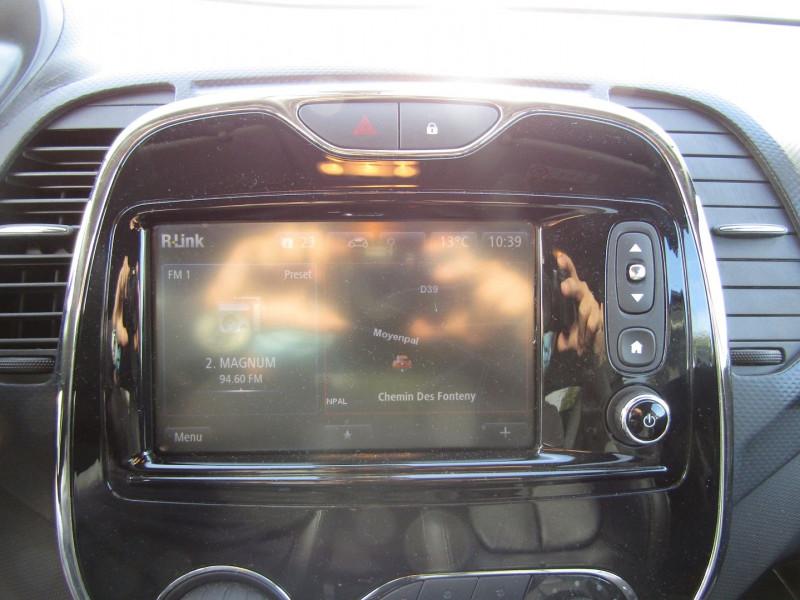 Photo 10 de l'offre de RENAULT CAPTUR III 1L5 DCI 110 CV SÉRIE LIMITÉE ENERGY GPS R-LINK CAMÉRA USB JA 17 CUIR PACK HIVER à 11990€ chez Bougel transactions
