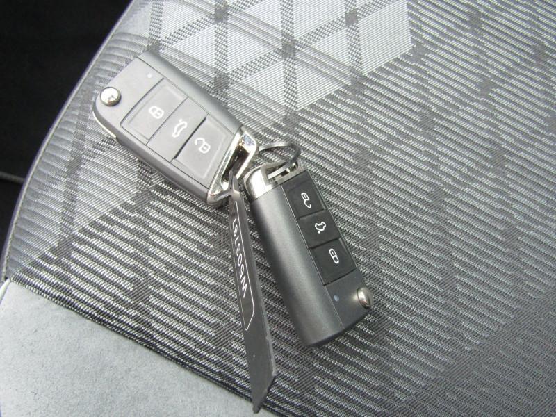 Photo 17 de l'offre de VOLKSWAGEN TIGUAN 5 2L TDI 150 CV R-LINE GPS 3D CAMÉRA 360° FULL LED MATRIX TOIT PANO BOITE AUTO DSG à 43500€ chez Bougel transactions