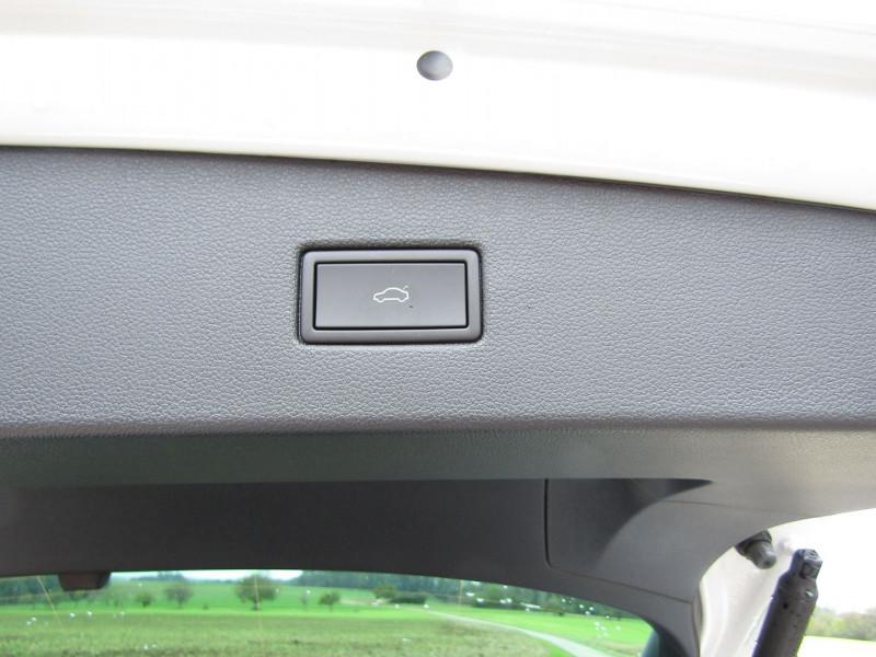 Photo 9 de l'offre de VOLKSWAGEN TIGUAN 5 2L TDI 150 CV R-LINE GPS 3D CAMÉRA 360° FULL LED MATRIX TOIT PANO BOITE AUTO DSG à 43500€ chez Bougel transactions