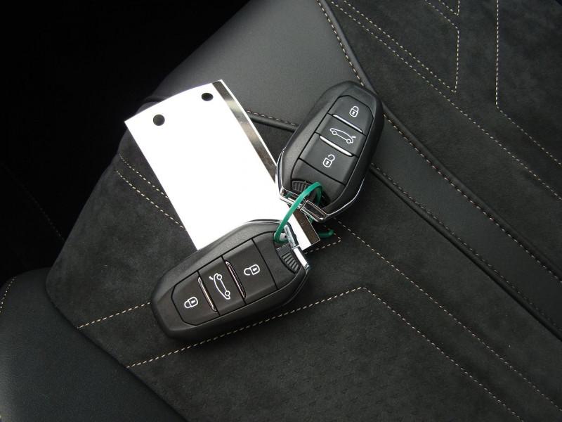 Photo 15 de l'offre de PEUGEOT 3008 PHASE 4 GT PURETECH 130 CV GPS 3D CAMÉRA JA 18 FULL LED PACK HIVER I-COKPIT COFFRE ELECT à 34900€ chez Bougel transactions