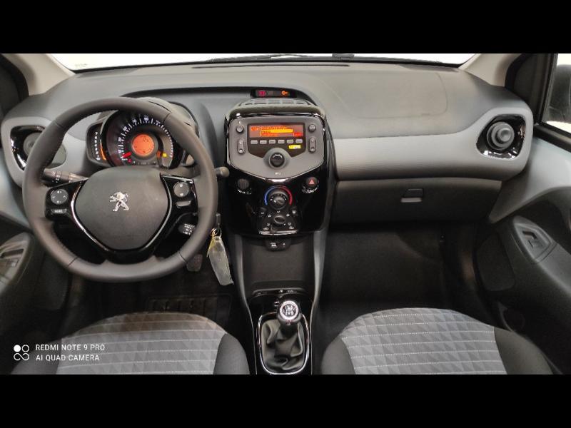Photo 10 de l'offre de PEUGEOT 108 VTi 72 Top! Style S&S 4cv 5p à 12880€ chez Garage Payoux - Citroën Ploermel