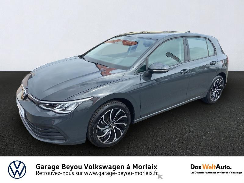 Photo 1 de l'offre de VOLKSWAGEN Golf 1.5 eTSI OPF 150ch Life 1st DSG7 à 24990€ chez Garage Beyou- Volkswagen Morlaix