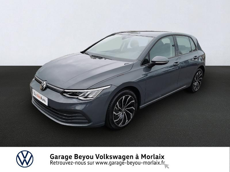 Photo 1 de l'offre de VOLKSWAGEN Golf 1.5 TSI ACT OPF 130ch Life 1st à 24490€ chez Garage Beyou- Volkswagen Morlaix