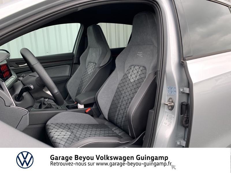 Photo 17 de l'offre de VOLKSWAGEN Golf 1.5 TSI OPF 130ch R-Line BVM6 à 26990€ chez Garage Beyou - Volkswagen Guingamp