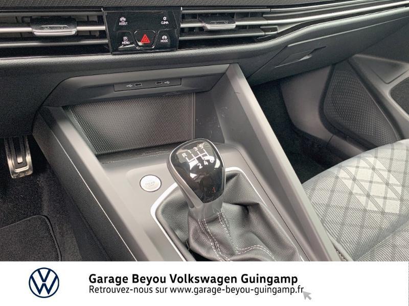 Photo 10 de l'offre de VOLKSWAGEN Golf 1.5 TSI OPF 130ch R-Line BVM6 à 26990€ chez Garage Beyou - Volkswagen Guingamp