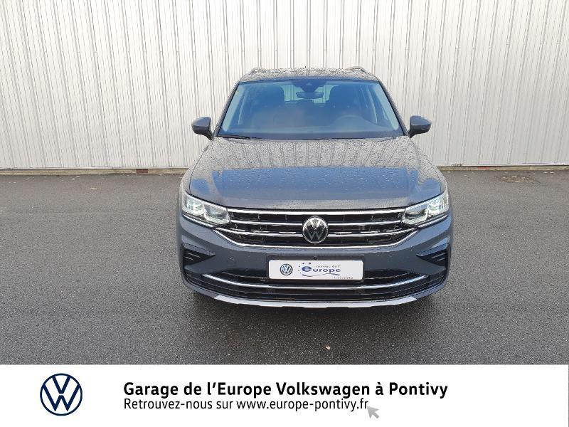 Photo 5 de l'offre de VOLKSWAGEN Tiguan 2.0 TDI 200ch Elegance 4Motion DSG7 à 46900€ chez Garage de L'Europe - Volkswagen Pontivy