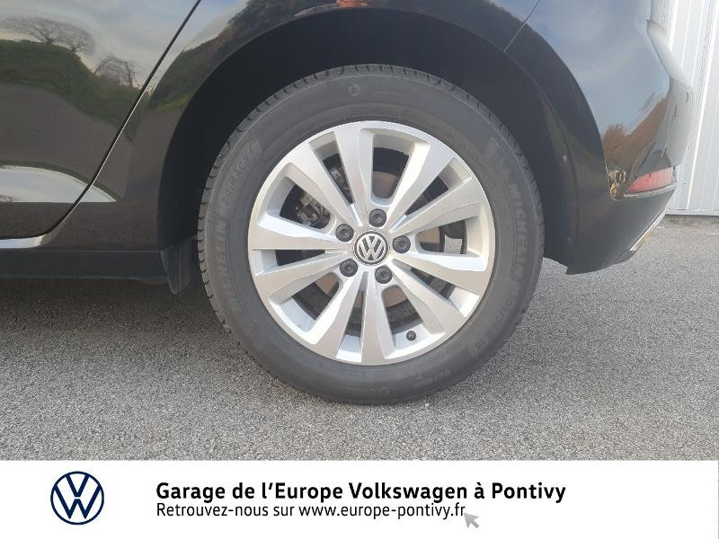 Photo 15 de l'offre de VOLKSWAGEN Golf 1.6 TDI 115ch FAP Confortline Business 5p à 16490€ chez Garage de L'Europe - Volkswagen Pontivy