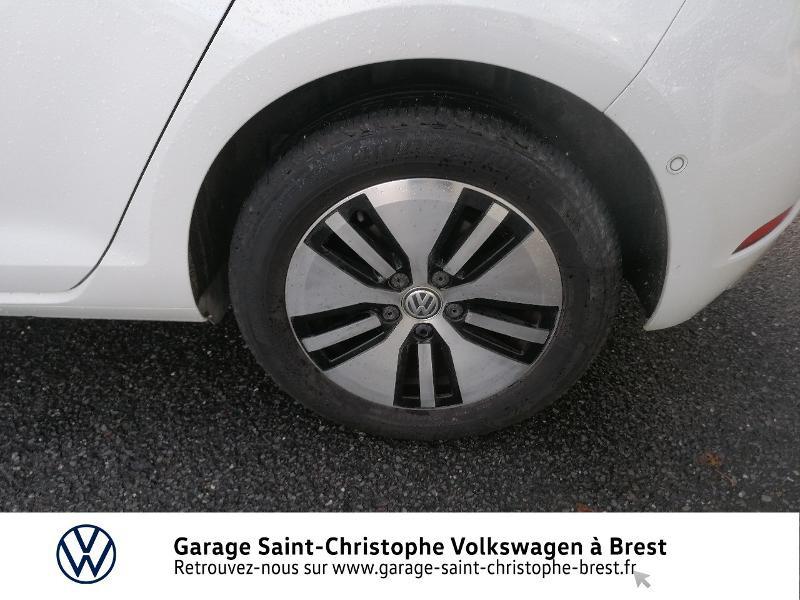 Photo 15 de l'offre de VOLKSWAGEN e-Golf 136ch 4cv à 20990€ chez Garage Saint Christophe - Volkswagen Brest