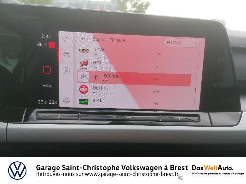 Photo 8 de l'offre de VOLKSWAGEN Golf 1.5 eTSI OPF 150ch Life 1st DSG7 à 26490€ chez Garage Saint Christophe - Volkswagen Brest
