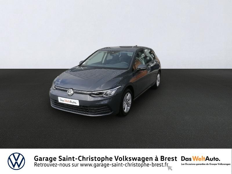 Photo 1 de l'offre de VOLKSWAGEN Golf 1.5 eTSI OPF 150ch Life 1st DSG7 à 26490€ chez Garage Saint Christophe - Volkswagen Brest