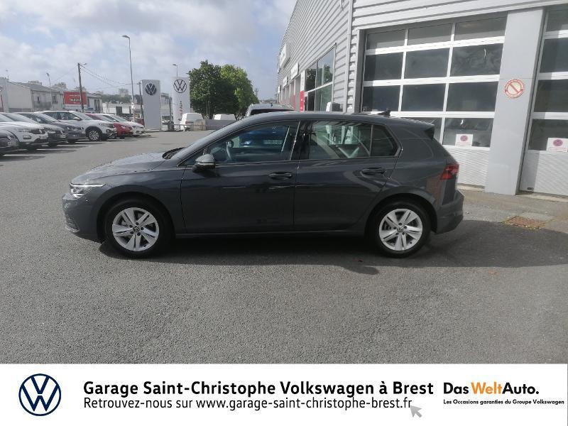 Photo 2 de l'offre de VOLKSWAGEN Golf 1.5 eTSI OPF 150ch Life 1st DSG7 à 26490€ chez Garage Saint Christophe - Volkswagen Brest