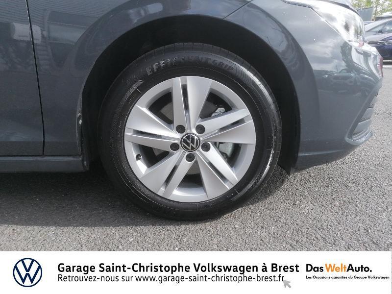 Photo 13 de l'offre de VOLKSWAGEN Golf 1.5 eTSI OPF 150ch Life 1st DSG7 à 26490€ chez Garage Saint Christophe - Volkswagen Brest