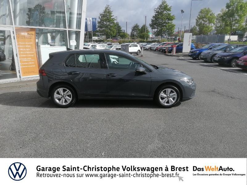 Photo 4 de l'offre de VOLKSWAGEN Golf 1.5 eTSI OPF 150ch Life 1st DSG7 à 26490€ chez Garage Saint Christophe - Volkswagen Brest