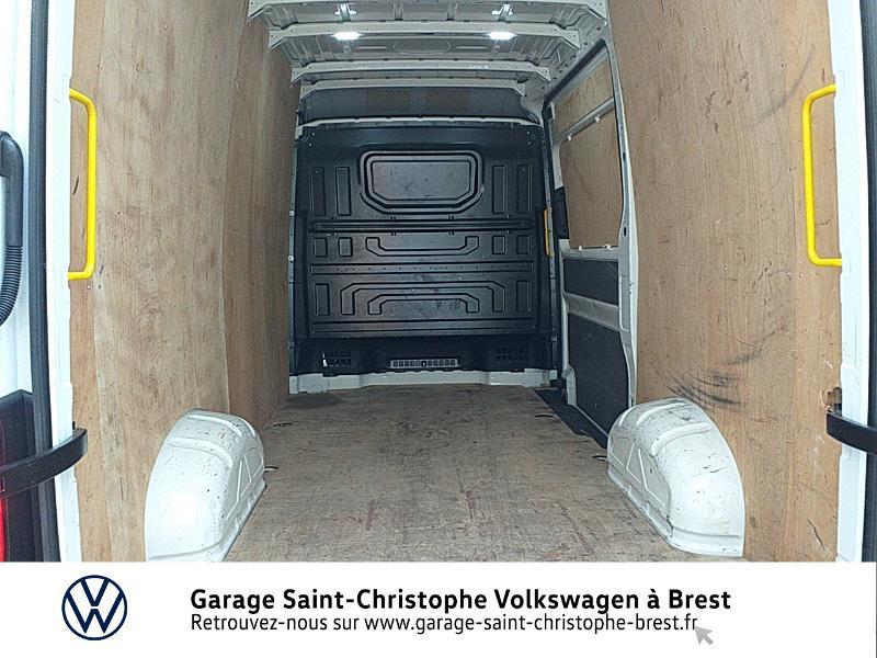Photo 12 de l'offre de VOLKSWAGEN Crafter Fg 30 L3H3 2.0 TDI 140ch Business Line Traction à 23450€ chez Garage Saint Christophe - Volkswagen Brest