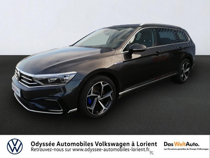 Photo 1 de l'offre de VOLKSWAGEN Passat SW 1.4 TSI 218ch Hybride Rechargeable GTE DSG6 à 36980€ chez Odyssée Automobiles - Volkswagen Lorient