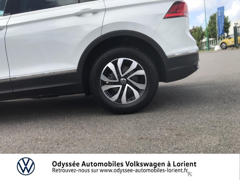 Photo 16 de l'offre de VOLKSWAGEN Tiguan 2.0 TDI 150ch Active à 35990€ chez Odyssée Automobiles - Volkswagen Lorient