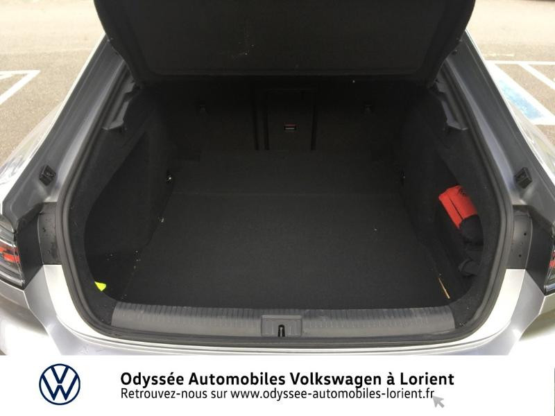 Photo 12 de l'offre de VOLKSWAGEN Arteon 2.0 TDI 150ch BlueMotion Technology R-line DSG7 à 39999€ chez Odyssée Automobiles - Volkswagen Lorient
