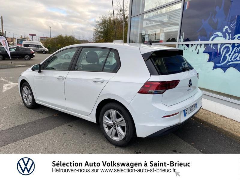 Photo 2 de l'offre de VOLKSWAGEN Golf 2.0 TDI SCR 115ch Life 1st à 24990€ chez Sélection Auto - Volkswagen Saint Brieuc