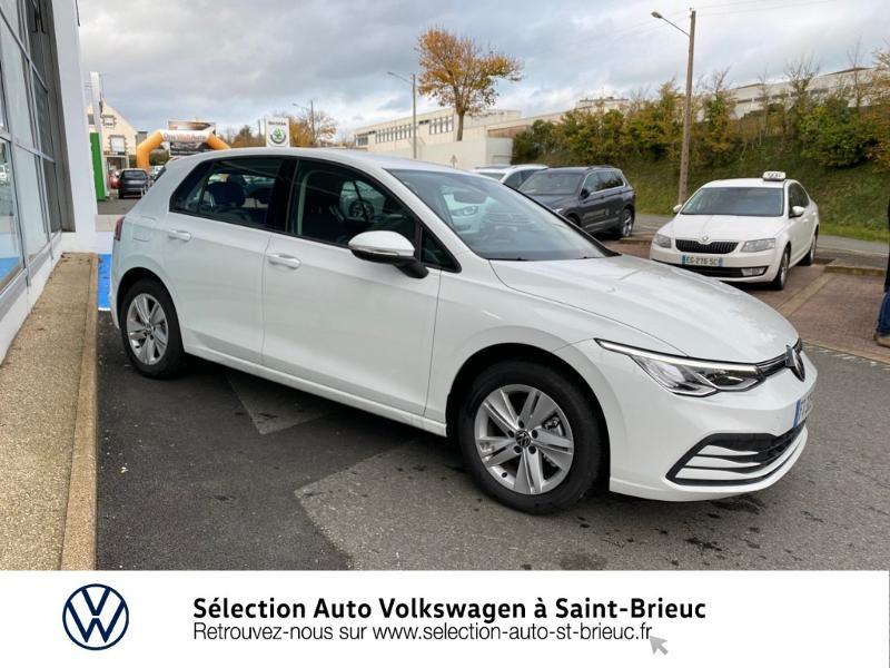 Photo 4 de l'offre de VOLKSWAGEN Golf 2.0 TDI SCR 115ch Life 1st à 24990€ chez Sélection Auto - Volkswagen Saint Brieuc