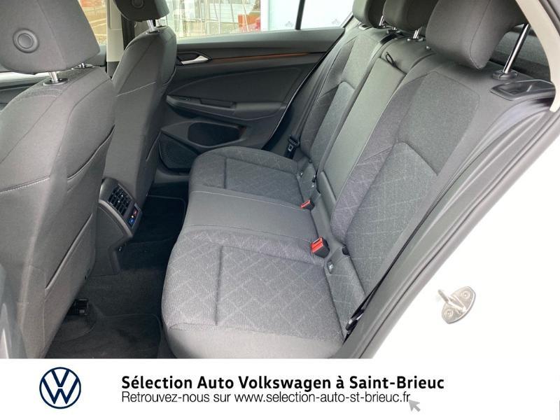 Photo 9 de l'offre de VOLKSWAGEN Golf 2.0 TDI SCR 115ch Life 1st à 24990€ chez Sélection Auto - Volkswagen Saint Brieuc