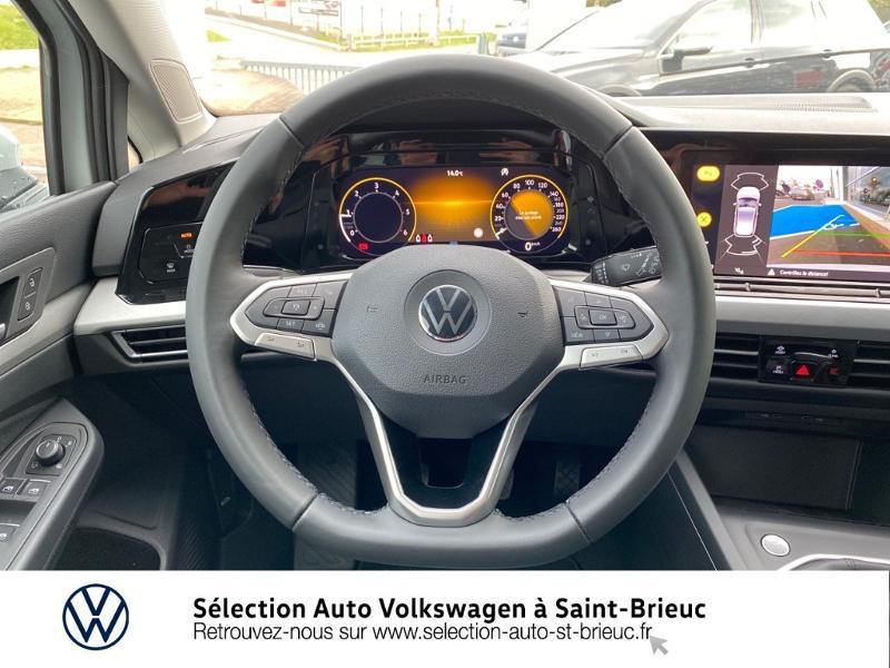 Photo 6 de l'offre de VOLKSWAGEN Golf 2.0 TDI SCR 115ch Life 1st à 24990€ chez Sélection Auto - Volkswagen Saint Brieuc