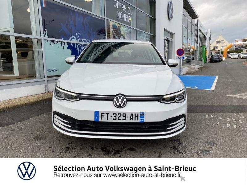 Photo 3 de l'offre de VOLKSWAGEN Golf 2.0 TDI SCR 115ch Life 1st à 24990€ chez Sélection Auto - Volkswagen Saint Brieuc