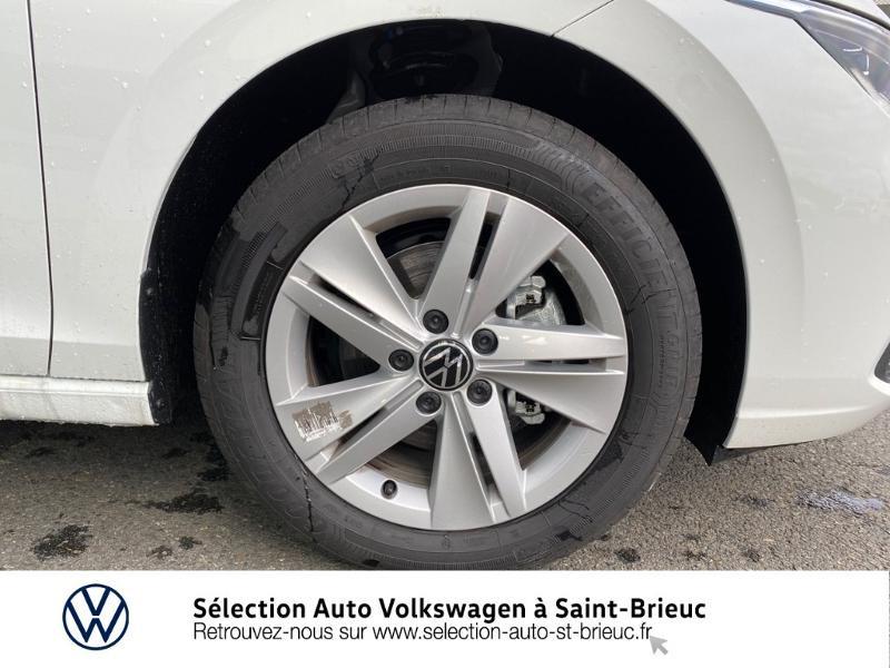 Photo 13 de l'offre de VOLKSWAGEN Golf 2.0 TDI SCR 115ch Life 1st à 24990€ chez Sélection Auto - Volkswagen Saint Brieuc