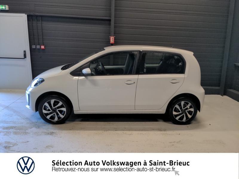 Photo 2 de l'offre de VOLKSWAGEN up! 1.0 65ch BlueMotion Technology Active 5p à 12990€ chez Sélection Auto - Volkswagen Saint Brieuc