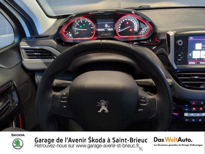 Photo 7 de l'offre de PEUGEOT 2008 1.2 PureTech 130ch E6.c GT Line S&S à 17490€ chez Sélection Auto - Volkswagen Saint Brieuc