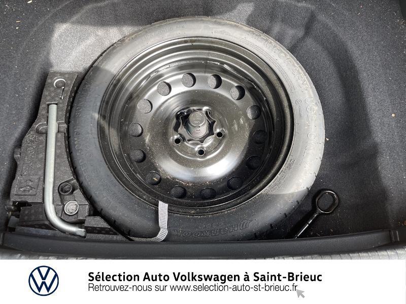 Photo 19 de l'offre de VOLKSWAGEN Golf 1.6 TDI 115ch FAP Confortline Business DSG7 5p à 16490€ chez Sélection Auto - Volkswagen Saint Brieuc