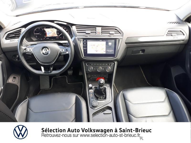 Photo 6 de l'offre de VOLKSWAGEN Tiguan 2.0 TDI 150ch Carat Exclusive 4Motion à 28990€ chez Sélection Auto - Volkswagen Saint Brieuc