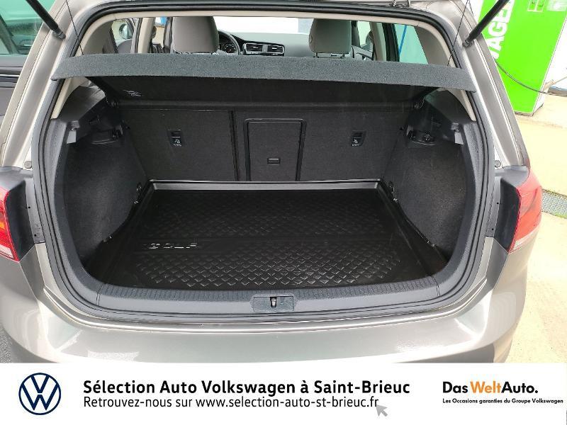 Photo 12 de l'offre de VOLKSWAGEN Golf 1.4 TSI 140ch ACT BlueMotion Technology Carat 5p à 13890€ chez Sélection Auto - Volkswagen Saint Brieuc