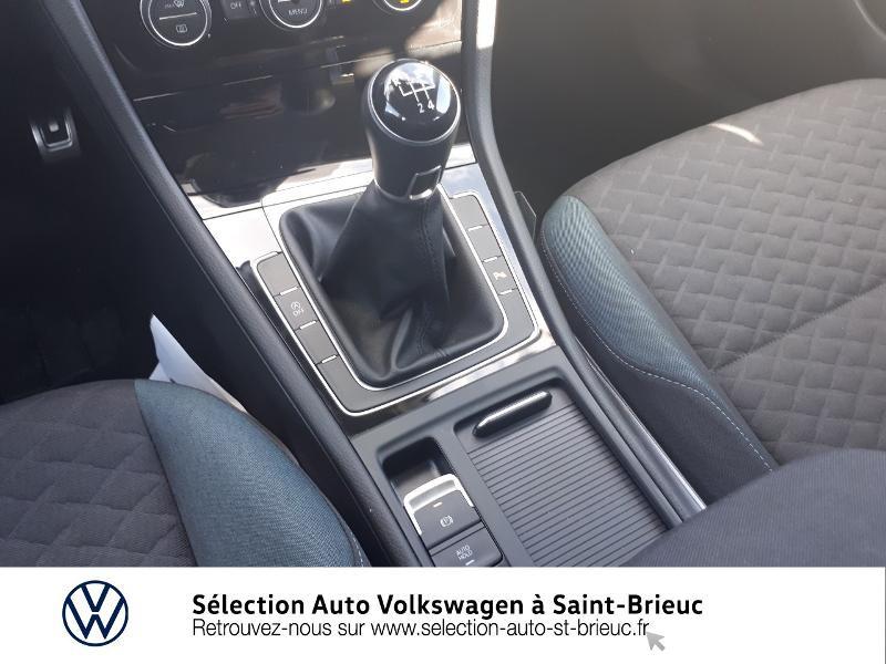 Photo 10 de l'offre de VOLKSWAGEN Golf 1.6 TDI 115ch FAP IQ.Drive Euro6d-T 5p à 19890€ chez Sélection Auto - Volkswagen Saint Brieuc