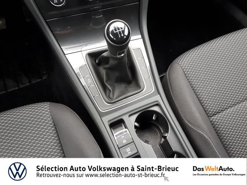 Photo 10 de l'offre de VOLKSWAGEN Golf 1.0 TSI 85ch Trendline Euro6d-T 5p à 13990€ chez Sélection Auto - Volkswagen Saint Brieuc
