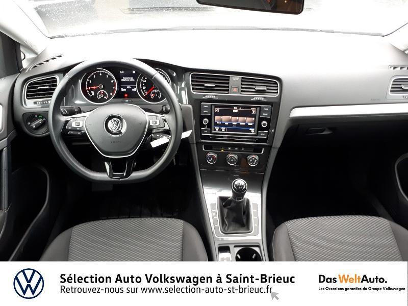 Photo 6 de l'offre de VOLKSWAGEN Golf 1.0 TSI 85ch Trendline Euro6d-T 5p à 13990€ chez Sélection Auto - Volkswagen Saint Brieuc