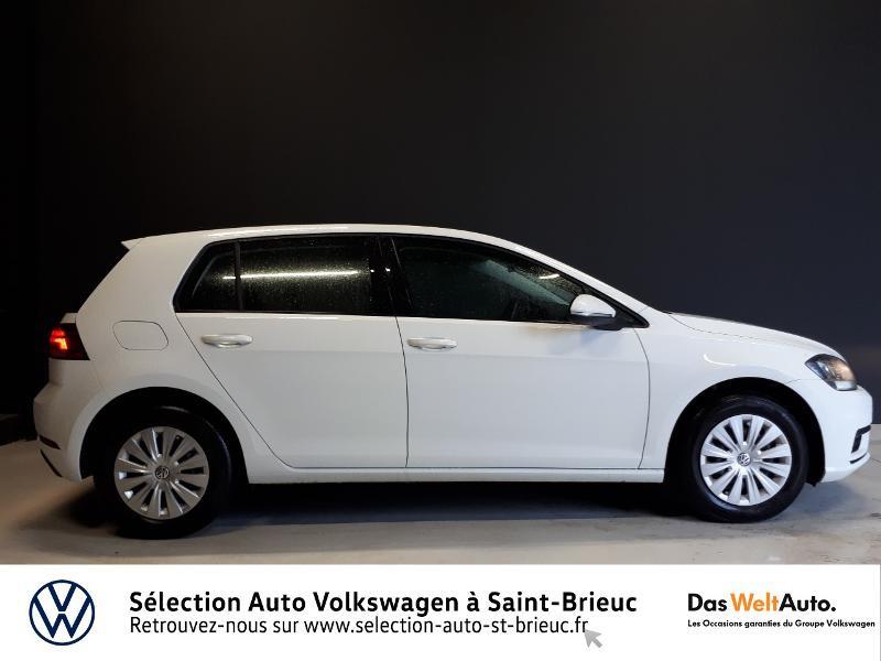 Photo 2 de l'offre de VOLKSWAGEN Golf 1.0 TSI 85ch Trendline Euro6d-T 5p à 13990€ chez Sélection Auto - Volkswagen Saint Brieuc