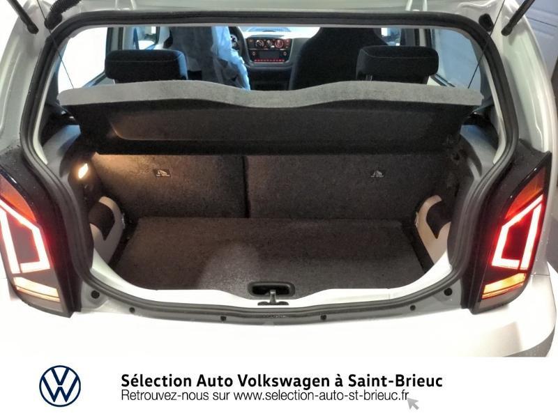 Photo 11 de l'offre de VOLKSWAGEN up! 1.0 65ch BlueMotion Technology Active 5p à 12990€ chez Sélection Auto - Volkswagen Saint Brieuc