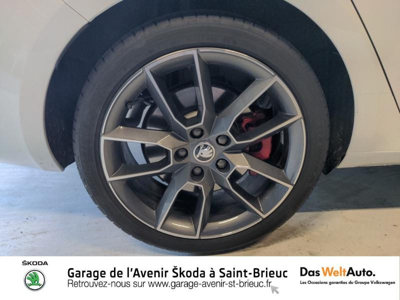 Photo 20 de l'offre de SKODA Octavia Break 2.0 TSI 245ch RS DSG7 Euro6d-T à 31790€ chez Sélection Auto - Volkswagen Saint Brieuc