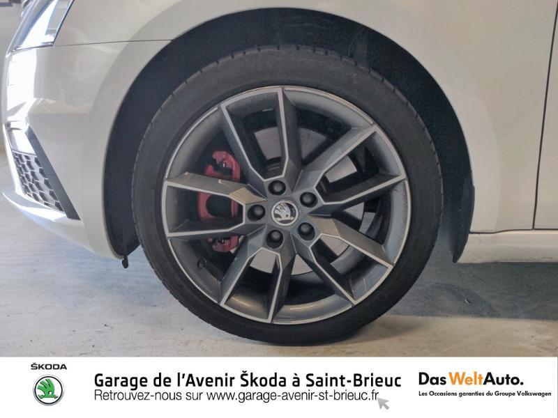 Photo 17 de l'offre de SKODA Octavia Break 2.0 TSI 245ch RS DSG7 Euro6d-T à 31790€ chez Sélection Auto - Volkswagen Saint Brieuc