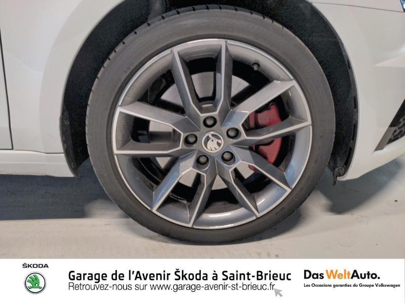 Photo 19 de l'offre de SKODA Octavia Break 2.0 TSI 245ch RS DSG7 Euro6d-T à 31790€ chez Sélection Auto - Volkswagen Saint Brieuc