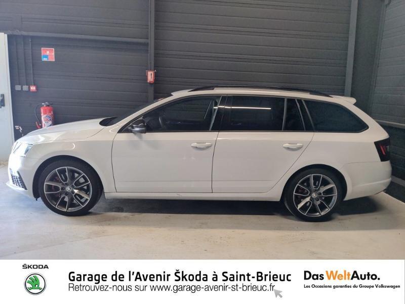 Photo 2 de l'offre de SKODA Octavia Break 2.0 TSI 245ch RS DSG7 Euro6d-T à 31790€ chez Sélection Auto - Volkswagen Saint Brieuc
