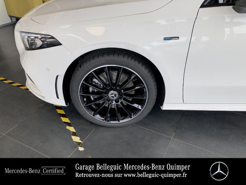 Photo 13 de l'offre de MERCEDES-BENZ Classe A 250 e 160+102ch AMG Line 8G-DCT à 42999€ chez Garage Belleguic - Mercedes-Benz Quimper