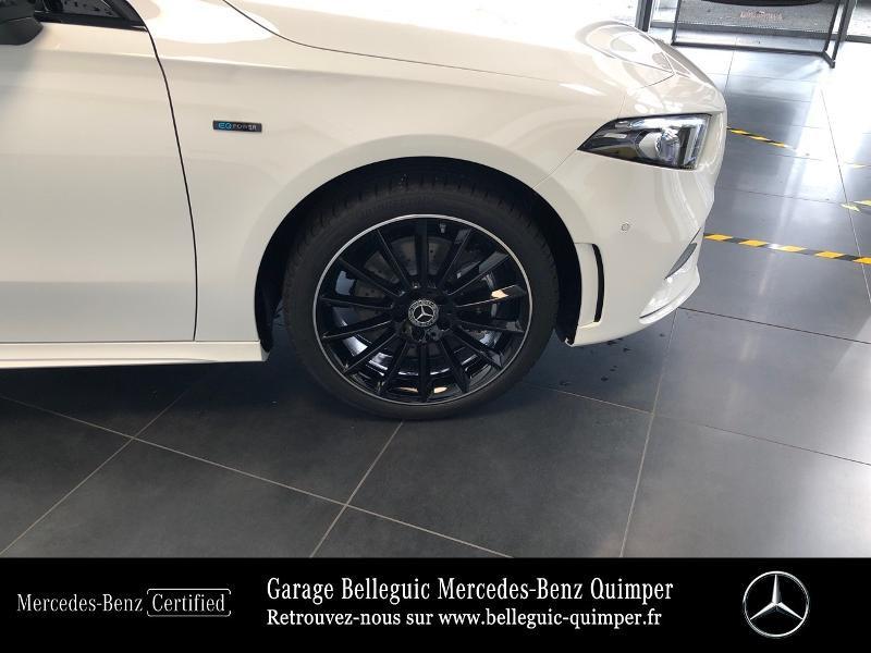 Photo 16 de l'offre de MERCEDES-BENZ Classe A 250 e 160+102ch AMG Line 8G-DCT à 42999€ chez Garage Belleguic - Mercedes-Benz Quimper