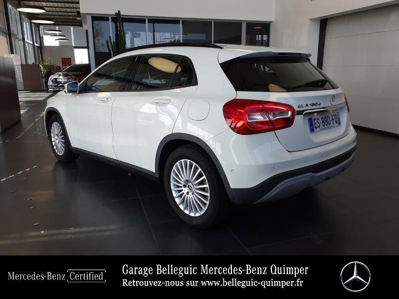 Photo 3 de l'offre de MERCEDES-BENZ Classe GLA 180 d Intuition 7G-DCT à 23790€ chez Garage Belleguic - Mercedes-Benz Quimper